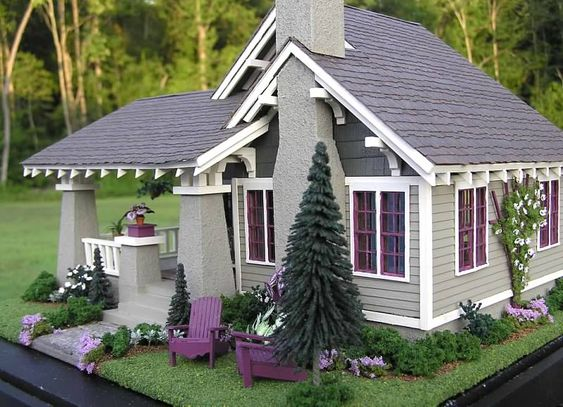 Quite possibly one of my most favorite dollhouses. Craftsman Bungalow Dollhouse - Susan's Miniatures