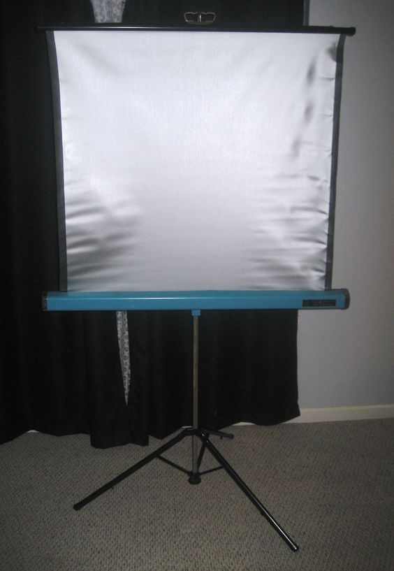 Our home-movie-projector screen looked a lot like this. We use to look at old slides with the family
