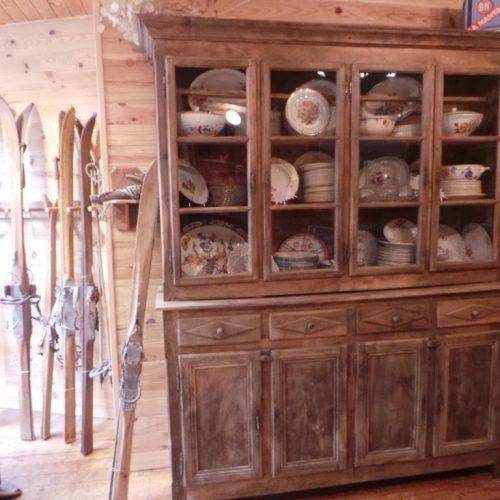 Coffre Ancien Savoyard Crest Voland Antiquite 17eme Siecle Montagnard Meubles Chalet Ferme Alpes Bois Meubles Anciens Mobilier De Salon Meuble