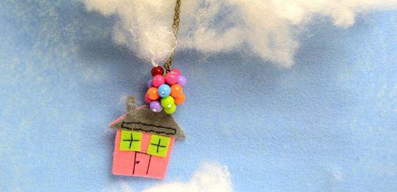 Assurez collier pendentif Cluster Fun pour les enfants sur le modèle du film de Pixar Up