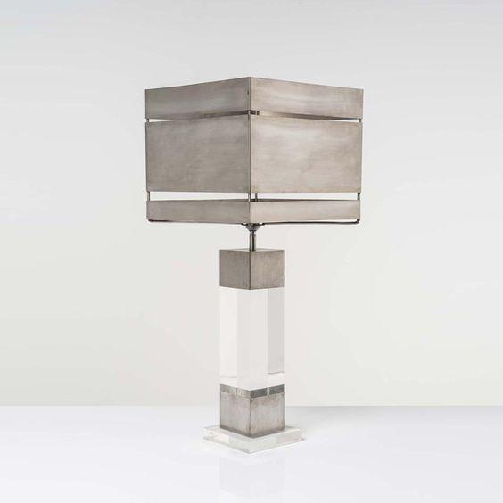 Gaetano Sciolari  Lampe de table  Métal et plexiglas  Date de création : vers 1970  H 74,5 × L 32 × P 32 cm