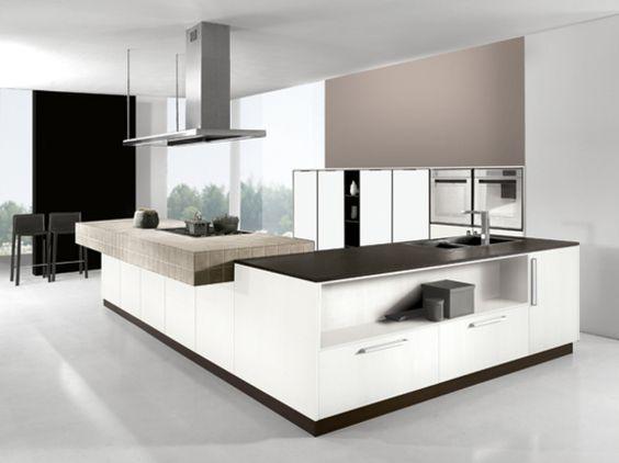 """Cucina angolare moderna finitura bianco """"seta"""" con piano di lavoro ..."""