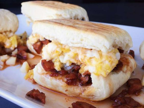 Get your morning off to a spicy start with one of these incredible chorizo, cheddar, and soft-scramb... - The Skinny Pig