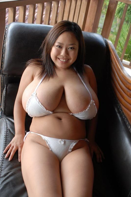 15 sexy japanes milfs attack poor boy 6