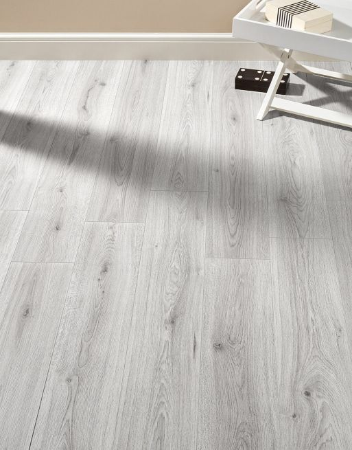 Farmhouse Light Grey Oak Laminate Flooring Light Grey Wood Floors Light Grey Hardwood Floors Grey Laminate Flooring