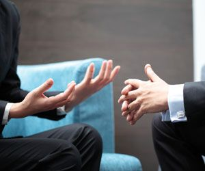People gesture in certain ways depending on the language they speak. A new study including blind and sighted people suggests that these gestural variations do not emerge from watching other speakers make the gestures but from learning the language itself.