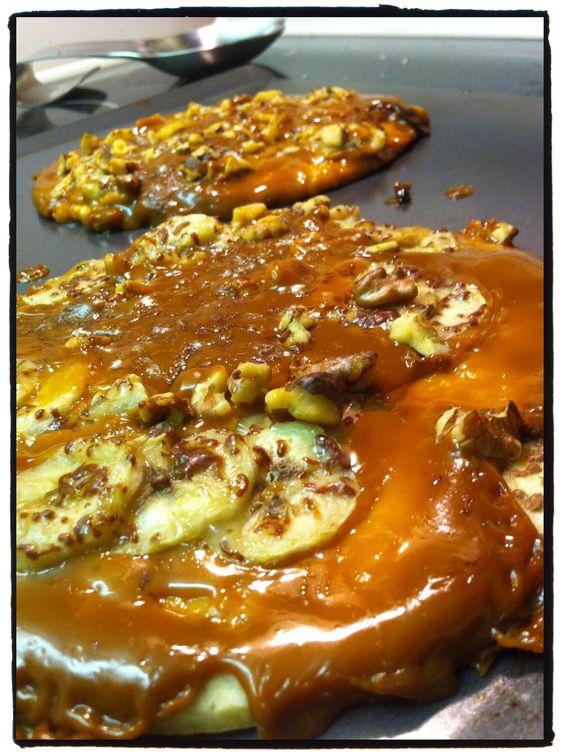 Banana Dulce de Leche Pizzas http://munchthis.net/?p=54