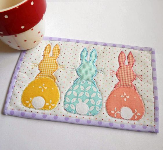 The Patchsmith: Bunny Hop Mug Rug - Three Designs in One Pattern