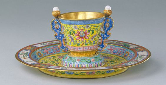 Chinese imperial ritual wine cup and tray , C18th , qianlong mark and period, enamels on solid gold body