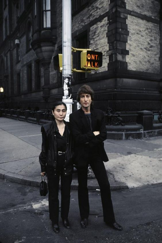 John Lennon and Yoko Ono in front of The Dakota, 72nd st. and Central Park West, September 1980. Photo by: Kishin Shinoyama