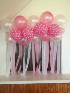 Streamers twists and house on pinterest for Balloon decoration for baby girl