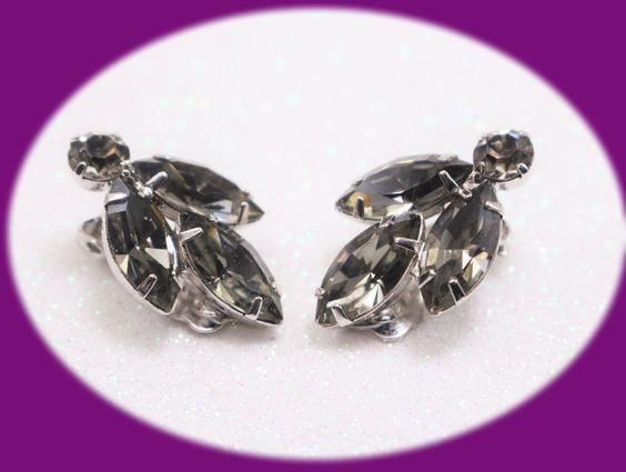 Vintage Smokey Gray Rhinestone Earrings Clip On Silver Tone Earrings Vintage…