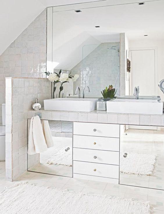 Mueble de lavabo de espejos