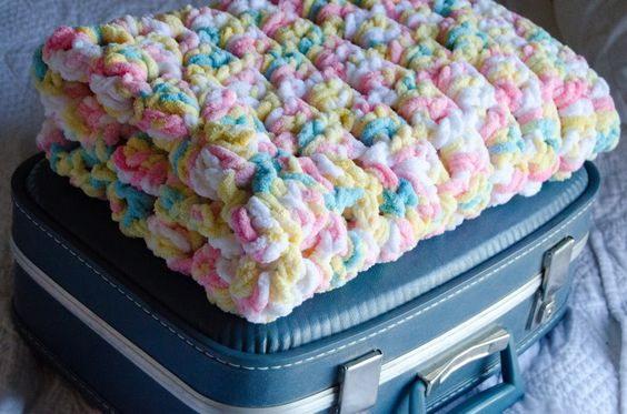 Crochet Afghan Patterns With Super Bulky Yarn : Baby Afghan - Softest Baby Afghan Ever! Bernat Baby ...