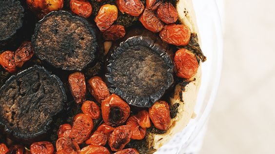 Moroccan-spiced eggplant and tomato tart // recipes, tarts, Easter recipes, brunch recipes