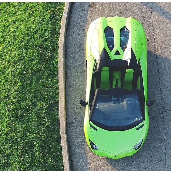 Lamborgini Aventador Roadster (photo: @aaltomotive )