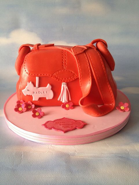 Radley Bag Cake by Cakes by Jordana, via Flickr  #ImDreamingOf making this cake @Radley London