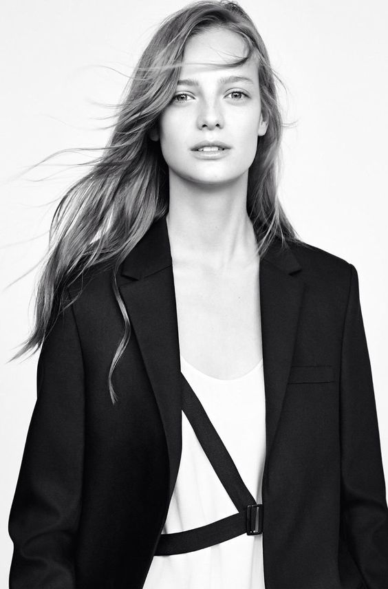ine neefs  Belgica / fashion model Black and white
