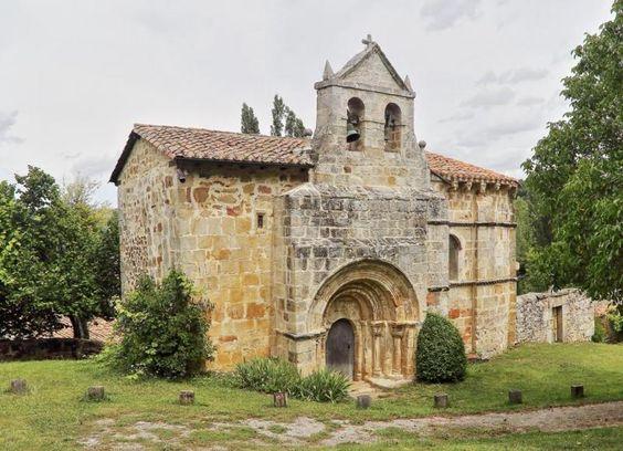 Crespos, Burgos - Iglesia de la Concepción. Aquí tienes más fotos e información: http://www.fotoviajero.com/tags/romanico-de-las-merindades/crespos-burgos_1485