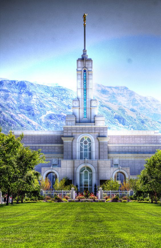 Mt. Timpanogos Temple | Flickr - Photo Sharing! Not my photo but I've been to these temple grounds!