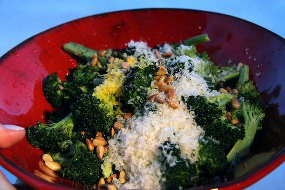 Parmesan Roasted Broccoli by Krystaslifeinfood.com, via Flickr, no cheese