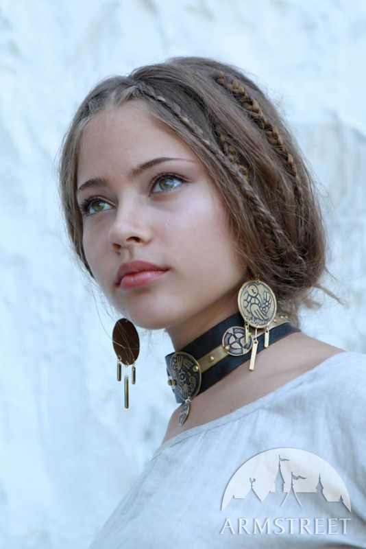 """Exclusive etched medieval fantasy style necklace """"Archeress"""""""