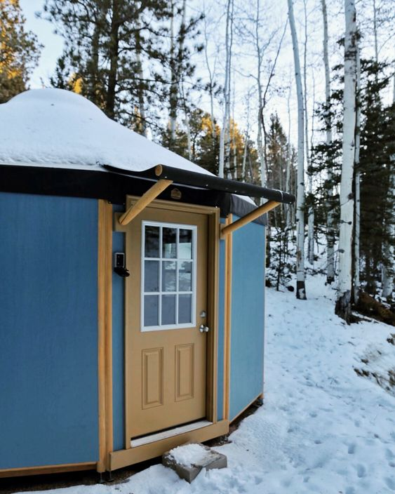 Features Freedom Yurt Cabins Building A Yurt Yurt Yurt Home