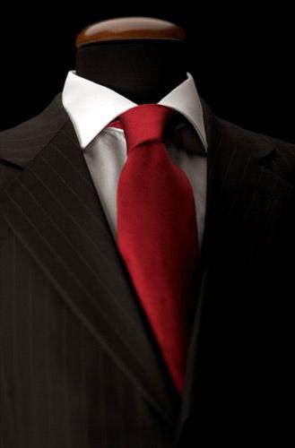 Well dressed groom or groomsmen / Come si fa il nodo alla #cravatta?