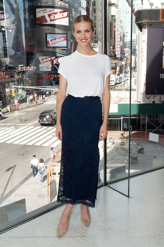 Pin for Later: There's So Much Fashion Happening Off the Runway Too Brooklyn Decker Brooklyn Decker visiting Extra.
