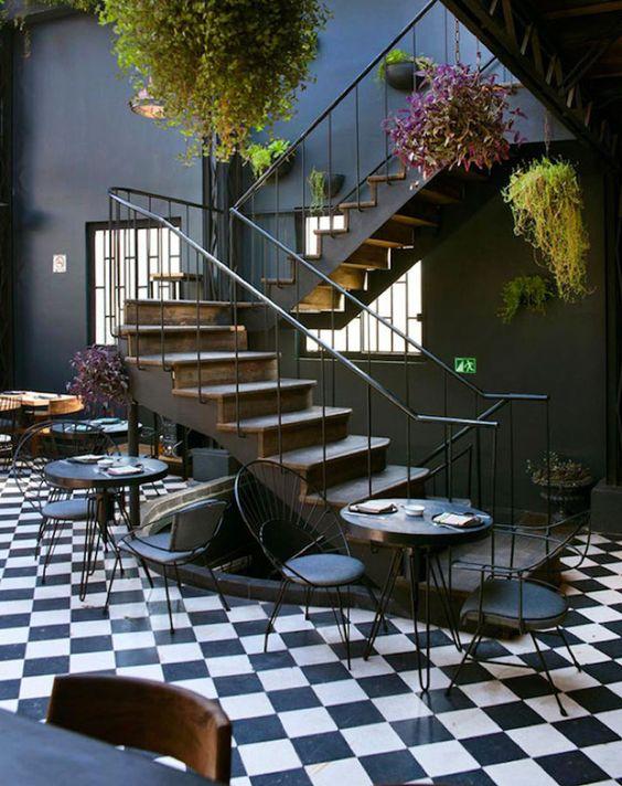 Romita Restaurant Design Romita Comedor est un restaurant situé à Mexico City dont le design est à la croisée des chemins entre détente et ...