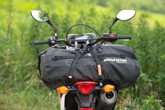 ガルル厳選の使えるツーリングシートバッグ05/ENDURISTAN トルネード2 ドラムバッグ Lサイズ オフロード用品ニュース-バイクブロス