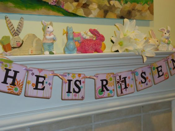 """He Is Risen"" Religious Banner Garland"