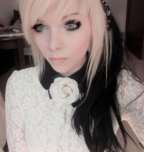 Vampire Platinum: Ira Vampira Emo Girl Scne Equeen Blonde Hair Black Hair