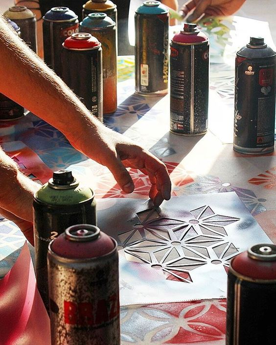 """Iniciou nesse sábado nossa oficina de lamb-lamb no @sescsorocaba   #fiteart #workshop #graffiti #stencil #stencilart #streetart #learning #yolo #custom…"""