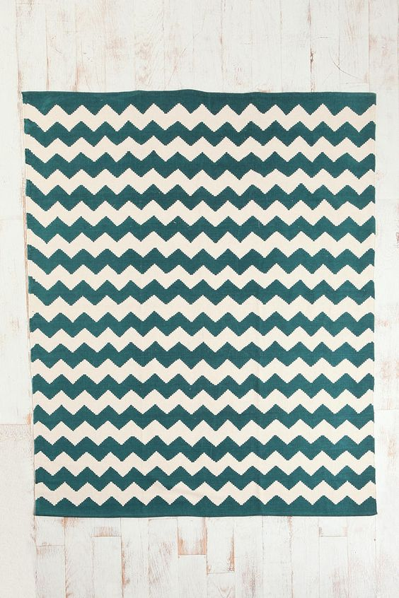 Zigzag Rug (50% off at Urban Outfitters plus free ship now! Two other colors: tan and chocolate)