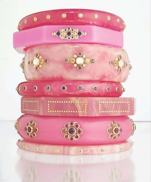 Oh to wear all these pink bangles at once. How girly! ♥