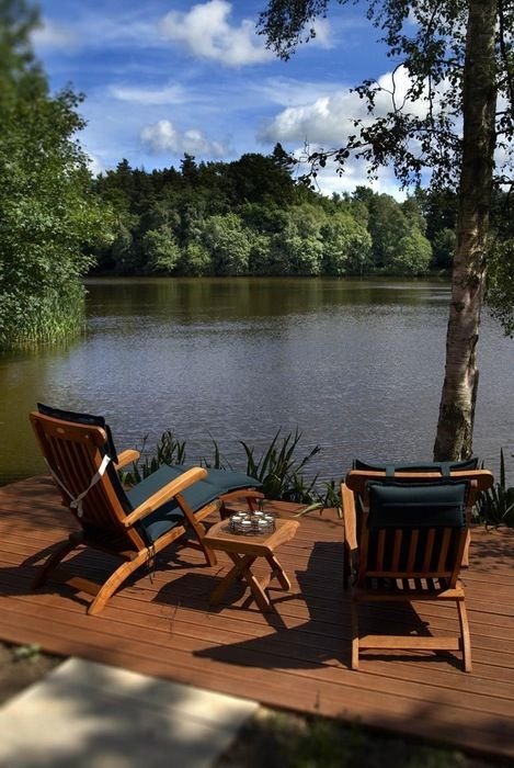A stunning lakeside retreat in unspoilt Northumberland. Watch the wildlife from this luxurious open-plan haven on the Middleton Hall Estate
