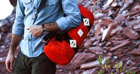 TOPO DUFFEL: Makes for a perfect gym bag, overnighter or just your last minute car bag for a day in the mountains. | ThePlunge.com