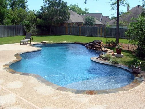 The Best Small Inground Pool Ideas Are Those That Offer You Some More Ways Smallingroundpool Swi Backyard Pool Landscaping Small Inground Pool Backyard Pool