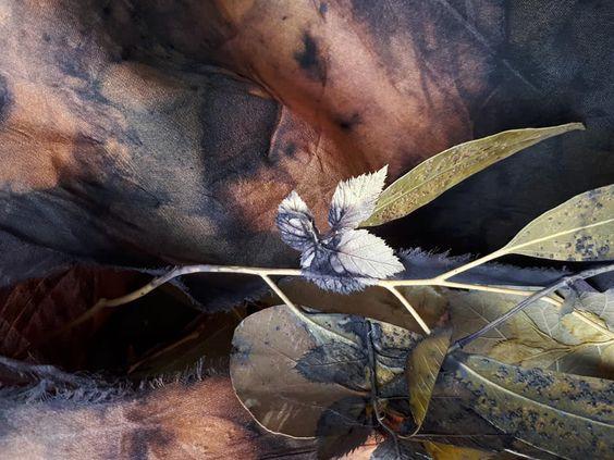 Isabelle Molénat - spring knots - indigo &  eco printing