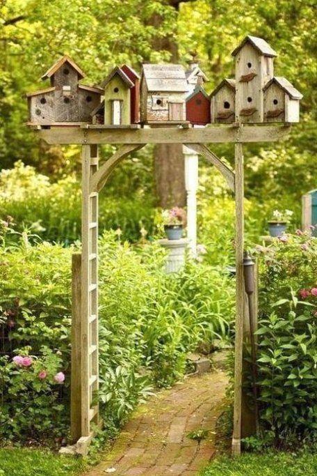 Ausgefallene Gartendeko Selber Machen Upcycling Ideen Diy Deko Geister Zum Spetsommer Gatenlaube Garten In 2020 Cottage Garden Design Rustic Gardens Whimsical Garden