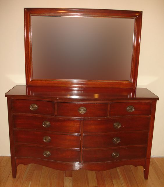 Antique mahogany 3 piece matching bedroom set by dixie for Matching bed and dresser