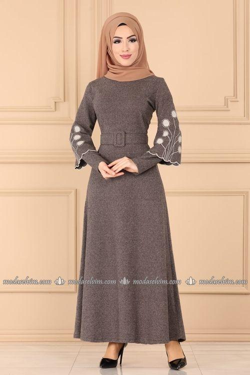 Tesettur Elbise Tesettur Elbise Fiyatlari Gunluk Tesettur Elbise 2020 Elbise Modelleri Moda Stilleri Elbise