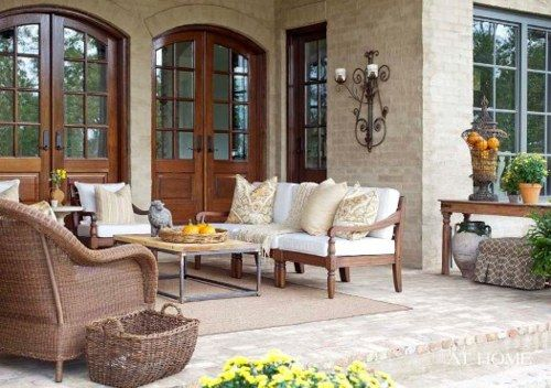 absolutely love this porch!!!