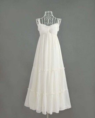 love a white maxi dress so awesome for summer!