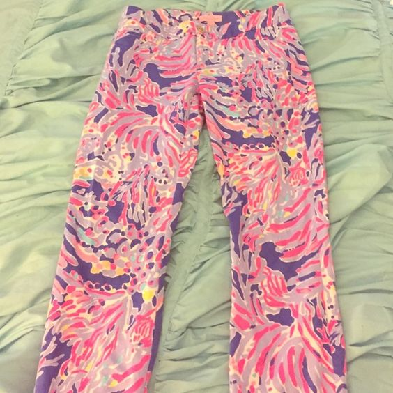 """BNWOT Lilly Pulitzer Kelly Pant in Shrimply Chic Kelly ankle length pant from 2016 print """"Shrimply Chic"""". Worn once, like new condition! Just not my style. Lilly Pulitzer Pants Ankle & Cropped"""