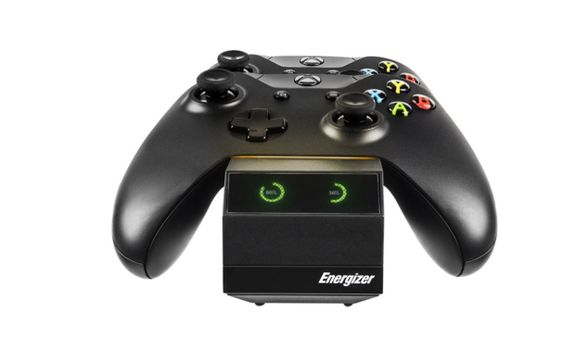 Energizer 2X Smart Charger for Xbox One    Officially licensed by Energizer and Microsoft for the Xbox One  Recharges 2 Xbox One controllers simultaneously  Includes two Energizer Rechargeable Battery Pack  Convenient LCD screen to indicate charge status  Compatible with the Energizer 2X Charge System and Microsoft Elite controllersEasily drop in and charge two wireless Xbox One controllers simultaneously w..