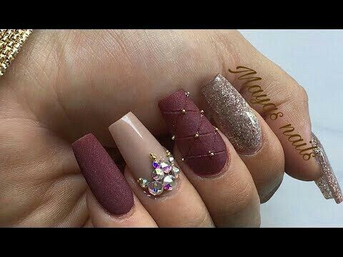 Pin By Daniela Parada On Unas Plum Nails Champagne Nails Nails Design With Rhinestones