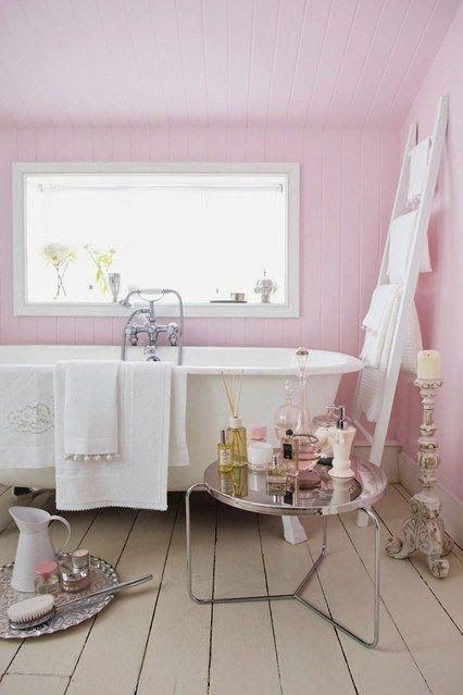 Banheiros e lavabos rosa: