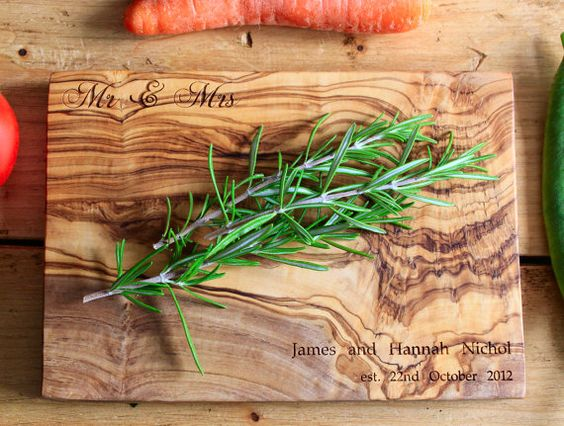 Personalised Mr and Mrs Cutting / Chopping / by TheRusticDish, £24.99